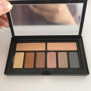 Smashbox Cover Shot in metallic eyeshadow